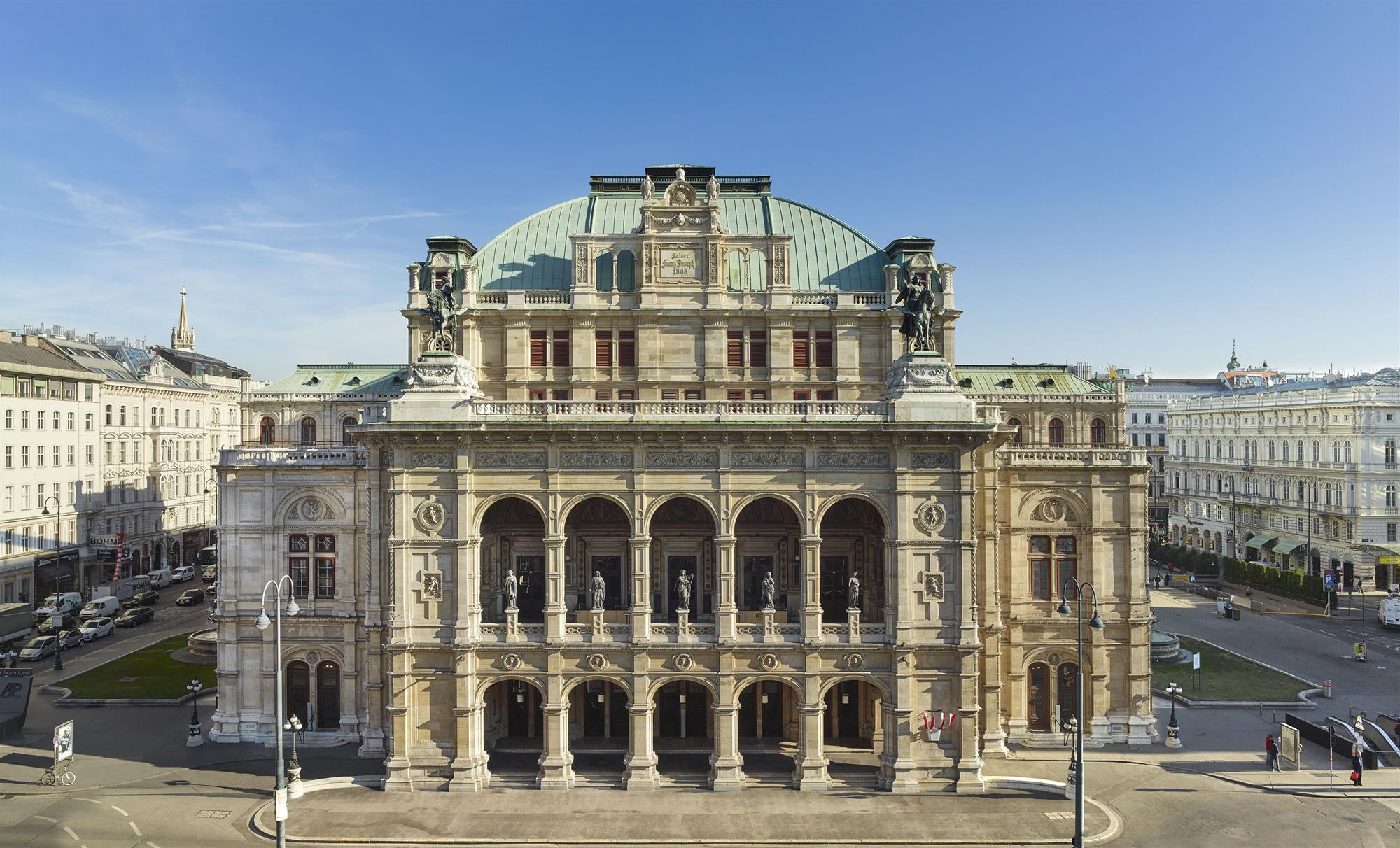 Opera Viena B9931a9c